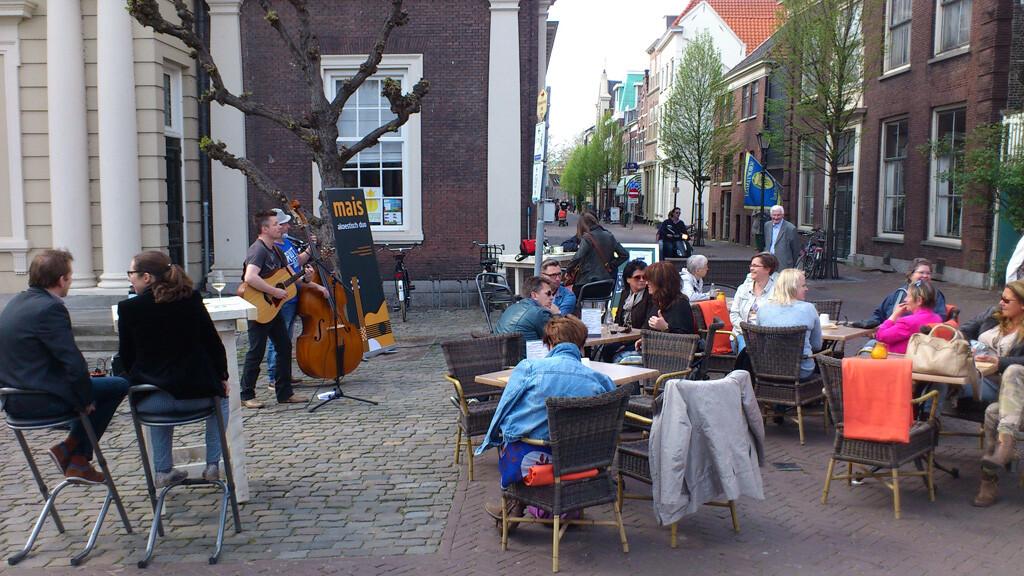 Mais op terras lunchroom de beurs schiedam akoestisch duo mais akoestische band bandbruiloft - Beurs geopend op de tuin ...