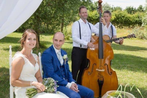bruiloft met akoestisch live muziek van MAIS